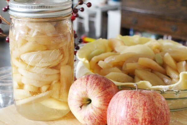 How to Can Apples for Baking