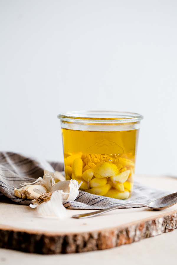 How to Make Your Own Garlic Oil!